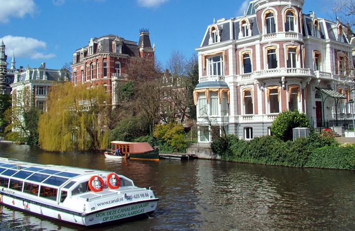 canal-boat-tour.jpg
